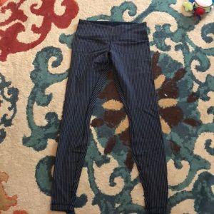 Lululemon wunder under navy pinstripe leggings